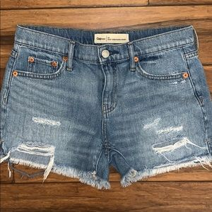 Gap girlfriend short 25 blue jean short